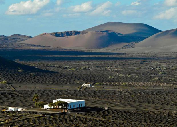 La valle della geria con i vigneti - Lanzarote